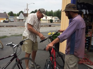 Bodfish helping Dirtnap with his bike